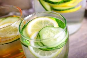 Agua-de-pepino-una-bebida-desintoxicante-diurética-y-adelgazante